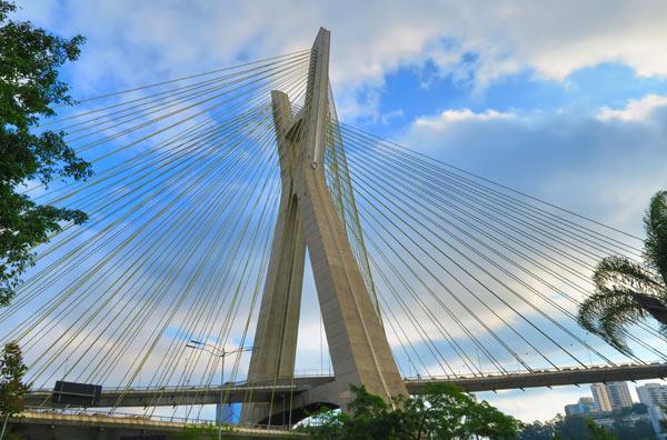 Ponte Estaiada | 2,6KM*